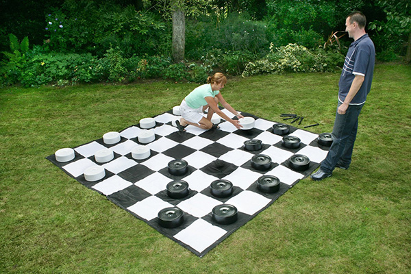 Giant Checkers - Arcade games, Racing simulators, Photo ...