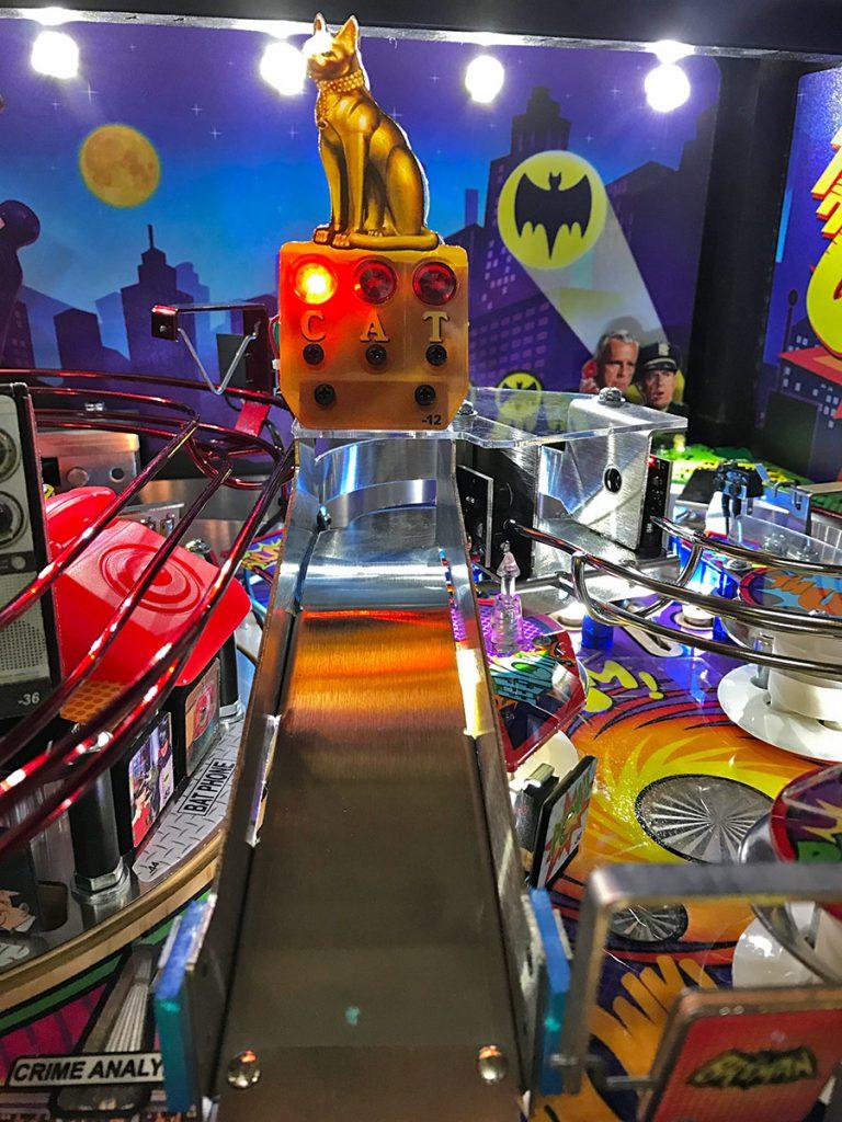 BATMAN 66 PINBALL - Arcade games, Racing simulators, Photo booths